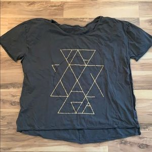 knot sisters open-side t-shirt.